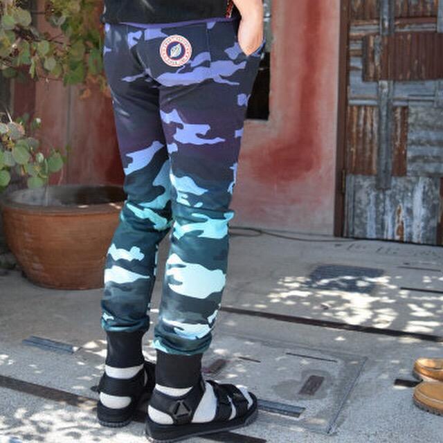 画像2: 【メンズ】スイートパンツ(SWEET PANTS )テリープリントスリムパンツ (2)